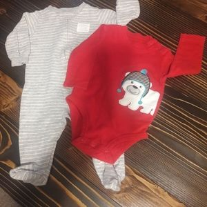 Lot of 2 Carter's bouts bodysuits size 6 months